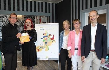 Frau Silberfisch neue Botschafterin©Landkreis Wirtschaftsförderung im Landkreis Nienburg/Weser GmbH