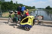 Radler auf Weserbrücke©Mittelweser Touristik