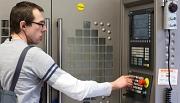 CNC Bedienung©Schlüter Maschinenbau GmbH