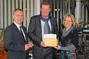 Übergabe der Botschafterplakette an DIE HARKE©Wirtschaftsförderung im Landkreis Nienburg/Weser GmbH